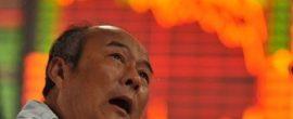 【画像】上海の株価暴落で落ち込んでるオッサン